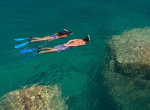 Snorkelling in Lake Malawi at Kaya Mawa