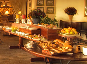 Breakfast at Ilala Lodge